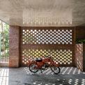 <p> Những bức tường gạch thô mang đến phong cách riêng biệt cho Chivihouse.</p>