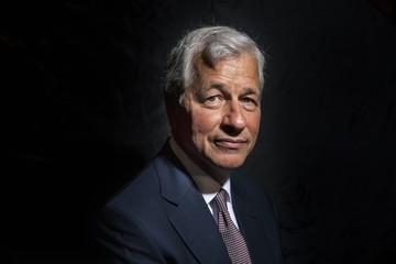 CEO JPMorgan Chase đau ngực, phải phẫu thuật tim khẩn cấp