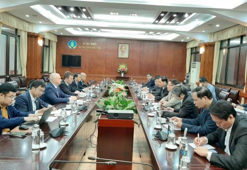 Bộ trưởng Bộ Nông nghiệp và Phát triển nông thôn Nguyễn Xuân Cường làm việc với Chủ tịch Tập đoàn Miratorg Agribusiness Holding (Liên bang Nga)