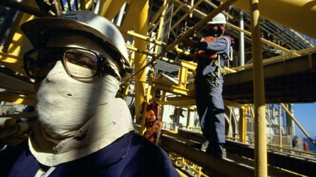 Căng thẳng Nga - Arab Saudi có thể đẩy giá dầu về 20 USD/thùng