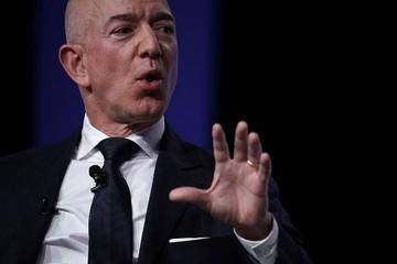 10 tỷ phú giàu nhất thế giới mất bao nhiêu tiền trong ngày 'Thứ hai đen tối'?