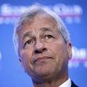 <p> Jamie Dimon, CEO của JPMorgan Chase, được dự báo sẽ giữ một vị trí cao trong chính quyền Mỹ nếu như cựu Phó tổng thống Joe Biden đắc cử trong cuộc đua vào Nhà Trắng. Theo Axios, nếu trở thành tổng thống, ông Biden sẽ bổ nhiệm Dimon vào một vị trí trong Bộ Tài chính Mỹ. <em>Ảnh: Getty Images</em></p>