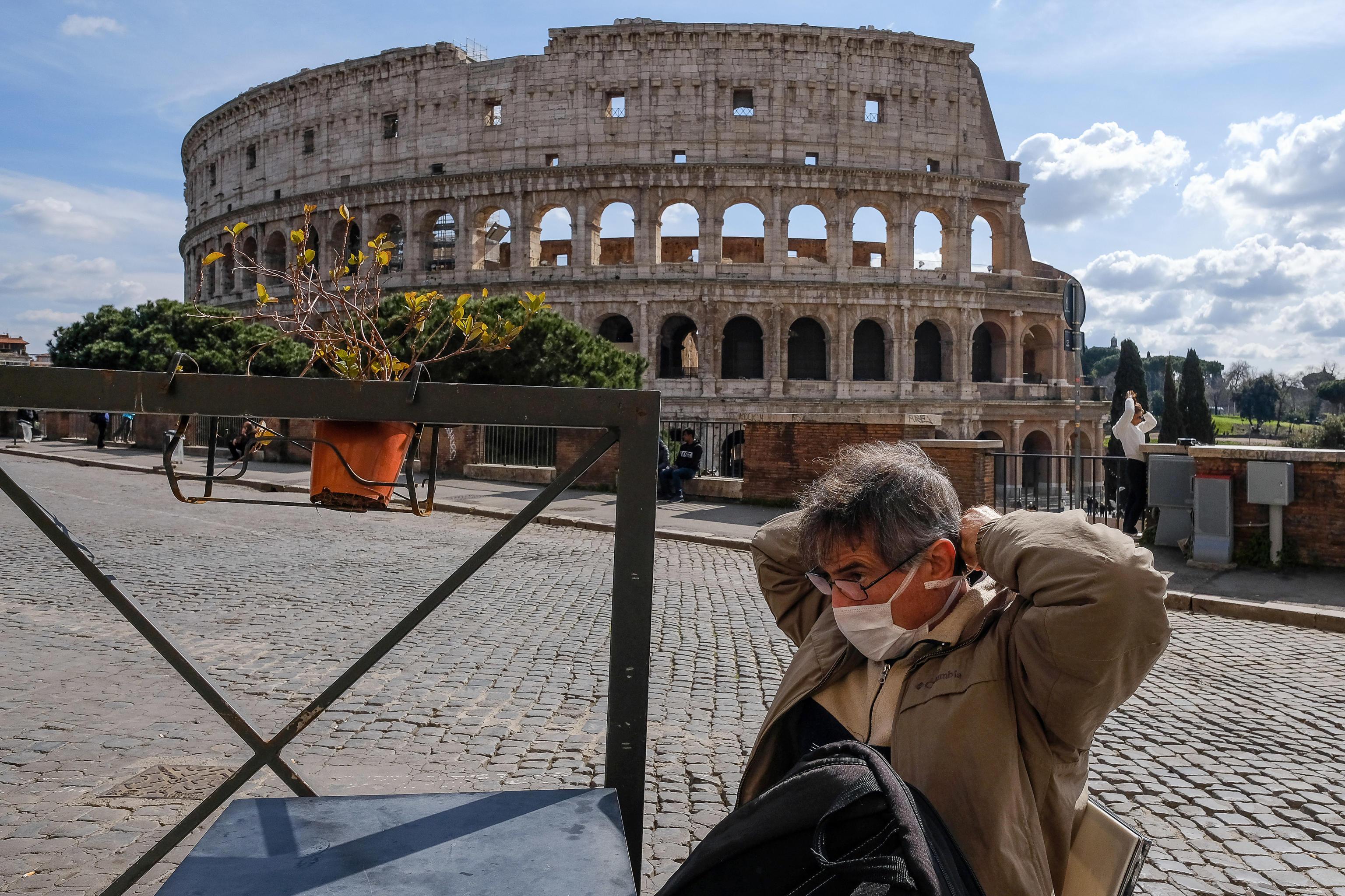 Italia đóng cửa tất cả các bảo tàng khi có hơn 6.000 ca nhiễm Covid-19