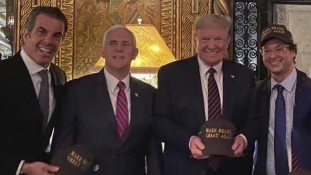 Trump từng chụp ảnh cùng quan chức Brazil dương tính với Covid-19