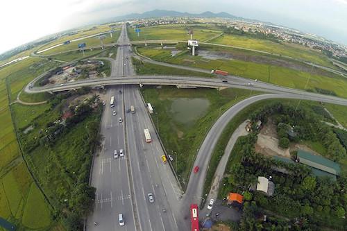 Một số dự án giao thông trọng điểm chuyển sang đầu tư công