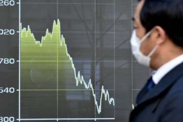 Thị trường lao dốc, nhiều quốc gia lập tức siết quy định bán khống