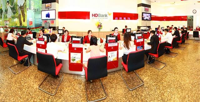 HDBank miễn giảm phí đối với các giao dịch thanh toán không dùng tiền mặt. Ảnh: HDBank