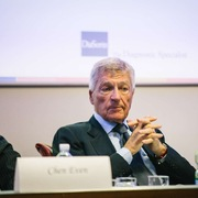 Tỷ phú Italia bỏ túi 100 triệu USD 'nhờ' virus corona
