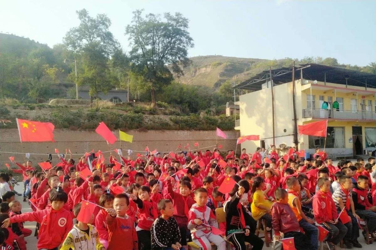 Dịch bệnh làm phân hóa các lớp học Trung Quốc như thế nào?