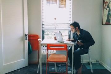 Lợi và hại khi làm việc tại nhà thời nCoV