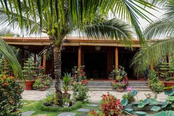 Homestay ở Vĩnh Long làm từ 4.000 cây dừa
