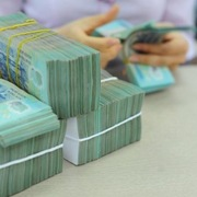 Chuyên gia, lãnh đạo ngân hàng: Giảm lãi suất giúp tháo gỡ khó khăn cho sản xuất kinh doanh