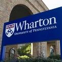 """<p class=""""Normal""""> <strong>1.<span> </span>Trường Kinh doanh Wharton, Đại học Pennsylvania (đồng hạng)</strong></p> <p class=""""Normal""""> Điểm tổng thể: 100</p> <p class=""""Normal""""> Điểm đánh giá ngang hàng (trên 5): 4,8</p> <p class=""""Normal""""> Điểm đánh giá nhà tuyển dụng (trên 5): 4,4</p> <p class=""""Normal""""> Điểm trung bình đại học: 3,6</p> <p class=""""Normal""""> Điểm GMAT trung bình: 732</p> <p class=""""Normal""""> Mức lương thưởng khởi điểm trung bình: 172.016 USD</p> <p class=""""Normal""""> Sinh viên tốt nghiệp năm 2019 có việc làm ngay sau khi tốt nghiệp: 81 %</p> <p class=""""Normal""""> Có việc làm 3 tháng sau khi tốt nghiệp: 93,5%</p> <p class=""""Normal""""> Học phí và lệ phí ngoài tiểu bang: 74.500 USD</p> <p class=""""Normal""""> Ảnh: <em>Getty Images</em></p>"""
