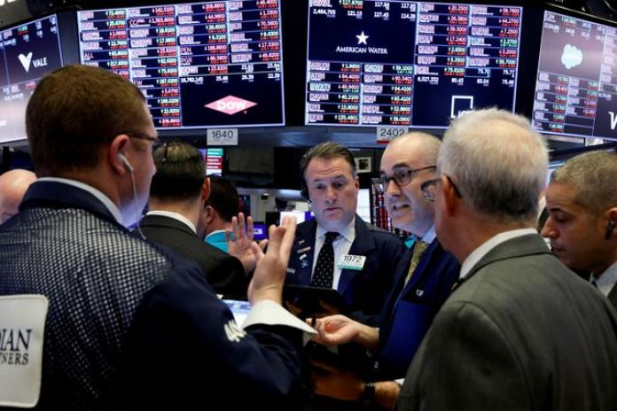 Fed, Nhà Trắng triển khai thêm biện pháp ứng phó Covid-19, Phố Wall tăng trở lại