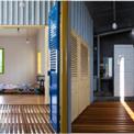 <p> Hai phòng ngủ riêng được thiết kế ở tầng trên với nội thất đơn giản.</p>