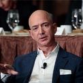 """<p class=""""Normal""""> <strong>Khách hàng không hài lòng có thể gửi email trực tiếp cho Jeff Bezos</strong></p> <p class=""""Normal""""> Sau đó vị CEO này sẽ chuyển tiếp tin nhắn đến đúng người phụ trách kèm theo một dấu hỏi (""""?"""") đáng sợ. (Ảnh: <em>Getty Images</em>)</p>"""