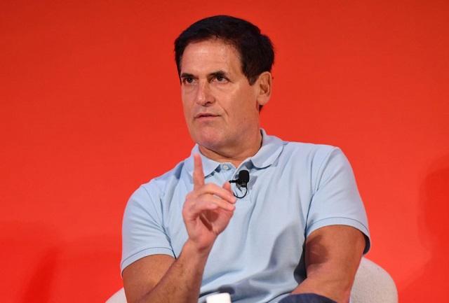 Tỷ phú Mark Cuban khuyên các doanh nghiệp nhỏ 'tìm ý tưởng mới' nhằm vượt qua đại dịch Covid-19