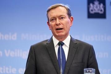 Bộ trưởng Y tế Hà Lan từ chức sau khi bị ngất tại quốc hội