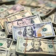 Thị trường chứng khoán liên tục giảm mạnh, USD trở thành kênh đầu tư được ưa chuộng