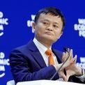 <p> Theo <em>South China Morning Post</em>, giá cổ phiếu của Alibaba sụt giảm 19% kể từ giữa tháng 2. Do đó, tài sản của Jack Ma - người giàu nhất Trung Quốc - bay hơi 6,9 tỷ USD. Chỉ riêng trong ngày 16/3, tài sản Jack Ma sụt tới 2,5 tỷ USD khi chỉ số Dow Jones rơi tự do trên Sàn giao dịch New York (Mỹ). Cổ phiếu của Alibaba được niêm yết ở cả New York và Hong Kong. Dù vậy, khảo sát của <em>Bloomberg</em> cho thấy Jack Ma đã vượt mặt ông trùm năng lượng Ấn Độ Mukesh Ambani để trở thành người giàu nhất châu Á. Ảnh: <em>Reuters</em>.</p>
