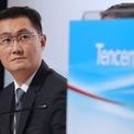 <p> Mã Hóa Đằng - nhà sáng lập Tencent Holdings và là người giàu thứ 2 Trung Quốc - chứng kiến tài sản bốc hơi 5,5 tỷ USD do giá cổ phiếu Tencent sụt giảm 13% kể từ ngày 19/2. Chỉ số Hang Seng Index của Hong Kong lao dốc khoảng 17,5% kể từ giữa tháng 2. Ảnh: <em>Nikkei Asian Review.</em></p>