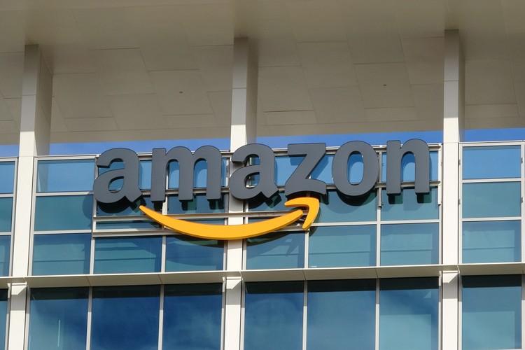 Amazon tạm dừng các lô hàng đĩa than và đĩa CD trong bối cảnh dịch Covid-19
