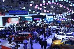 Giá xe giảm hàng trăm triệu đồng, khách Việt tha hồ chọn SUV giá rẻ
