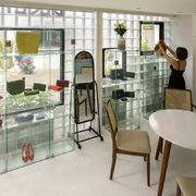 Nhà 18 m2 vẫn đủ công năng sau khi bỏ toàn bộ tường gạch