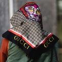 """<p class=""""Normal""""> <strong><span>3. Gucci</span></strong></p> <p class=""""Normal""""> <span>Là thương hiệu sinh ra và vươn mình từ Milan (Italia) gây dựng danh tiếng khắp thế giới, Gucci không đứng ngoài cuộc chiến chống Covid-19 tại quê nhà bằng cách quyên góp khẩu trang và trang phục bảo hộ y tế cho cơ quan y tế tại Italia.</span></p> <p class=""""Normal""""> Cụ thể, Gucci đã đáp lại lời kêu gọi từ các công ty thời trang của vùng Toscana (Italia) trang bị thêm nguồn cung y tế trước sự thiếu hụt lớn trong bối cảnh dịch Covid-19 lây lan nhanh. Gucci sẽ tặng 1,1 khẩu trang y tế và 55.000 bộ đồ bảo hộ y tế trong những tuần tới.</p>"""