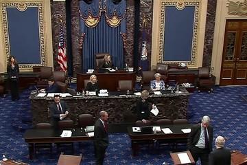 Gói cứu trợ kinh tế nghìn tỷ USD gặp khó tại Thượng viện Mỹ