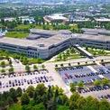<p> Trụ sở Medline cách thành phố Chicago khoảng 30,5 km về phía bắc. Các khách hàng chính của công ty này là những viện dưỡng lão, nhà thuốc, và bệnh viện tại Mỹ. Ảnh: <em>Medline.</em></p>