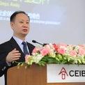 """<p class=""""Normal""""> <strong>4.<span> </span>Xu Hang: 11,6 tỷ USD</strong></p> <p class=""""Normal""""> Quốc gia: Trung Quốc</p> <p class=""""Normal""""> Xu Hang là đồng sáng lập và chủ tịch Mindray Medical International - nhà cung cấp các thiết bị y tế tại Trung Quốc. (Ảnh: <em>CEIBS</em>)</p>"""