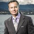 """<p class=""""Normal""""> <strong>7.<span> </span>Ernesto Bertarelli: 8 tỷ USD</strong></p> <p class=""""Normal""""> Quốc gia: Thụy Sĩ</p> <p class=""""Normal""""> Ernesto Bertarelli được thừa kế hãng dược phẩm Serono sau khi cha của ông qua đời năm 1998. (Ảnh: <em>Luxatic</em>)</p>"""