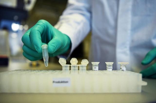 Đức bắt đầu tiến hành xét nghiệm quy mô lớn ngay từ tháng 1, khi một số trường hợp nhiễm Covid-19 xuất hiện ở nước này. Ảnh: Reuters.