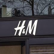 H&M sản xuất sản phẩm bảo vệ cá nhân cho bệnh viện và nhân viên y tế chống Covid-19