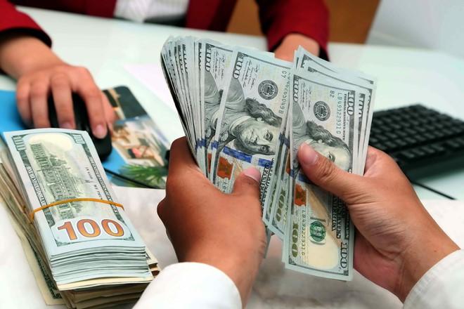 Giá USD ngân hàng tăng 40 - 100 đồng