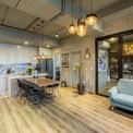 <p> Căn hộ có diện tích 75 m2, nằm ở tầng 19 thuộc một dự án chung cư hiện đại, được thiết kế và xây dựng khoa học. Sau khi nhận nhà và cân nhắc nhu cầu sử dụng thực tế của một gia đình trẻ 3 người, chủ nhà đã quyết định cải tạo không gian. Thay đổi lớn nhất sau khi cải tạo là căn hộ chỉ còn một phòng ngủ thay vì 2 như thiết kế ban đầu của chủ đầu tư, đồng thời có thêm một phòng làm việc yên tĩnh.</p>