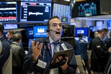 Kỳ vọng vào gói kích thích 2.000 tỷ USD, Dow Jones tăng mạnh nhất kể từ 1933