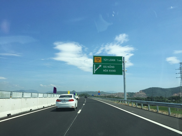 Bộ Giao thông ra 'tối hậu thư' với VEC về tồn tại trên cao tốc Đà Nẵng - Quảng Ngãi
