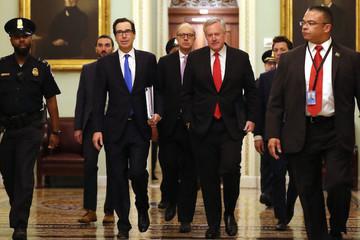 Mỹ đạt thoả thuận gói kích thích kinh tế 2.000 tỷ USD