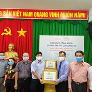 Novaland trao tặng khẩu trang, nước rửa tay cho 'điểm nóng dịch bệnh' Bình Thuận