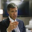 <p> Arne Sorenson, CEO và Chủ tịch tập đoàn khách sạn Marriott sẽ không nhận các tháng lương còn lại trong năm 2020. Ban điều hành cũng chấp nhận giảm 50% lương. Ảnh: <em>Reuters</em>.</p>
