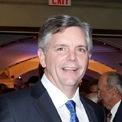 <p> Larry Culp (ảnh), Chủ tịch và CEO của Tập đoàn năng lượng General Electric, tuyên bố không nhận lương cho đến hết năm 2020. Phó chủ tịch David Joyce cũng đưa ra quyết định tương tự. Ảnh: <em>WSJ.</em></p>