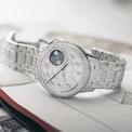 """<p class=""""Normal""""> Vacheron Constantin vừa tiết lộ phiên bản mới nhất của bộ sưu tập đồng hồ Égérie Moon Phase - vì<span>sao sáng trong ngôi nhà trang sức, phục vụ cho những người đẹp của Vacheron Constantin.</span></p>"""