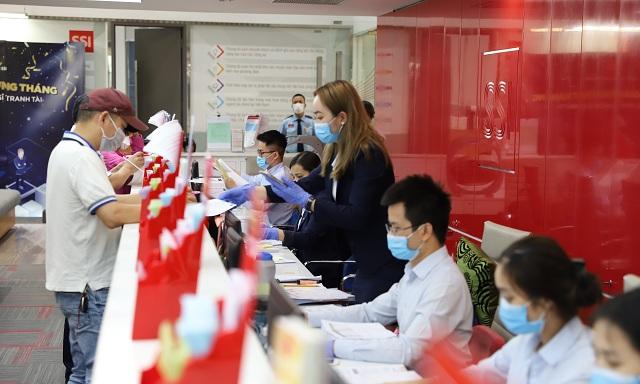 SSI tổ chức diễn tập làm việc trực tuyến tại chi nhánh Nguyễn Công Trứ nhằm ứng phó với dịch Covid-19