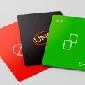 """<p class=""""Normal""""> Trong phiên bản tối giản, Uno mới có mặt sau được phủ sắc đen sang trọng và đầy màu sắc rực rỡ ở mặt trước.</p>"""