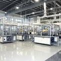 <p> Tập đoàn Dyson nổi tiếng với các sản phẩm như máy hút bụi hay máy sấy tay. Dyson tuyển dụng hơn 5.800 kỹ sư trên toàn cầu và chi đến 10 triệu USD mỗi tuần cho việc nghiên cứu và phát triển sản phẩm. Ảnh: <em>Straits Times.</em></p>