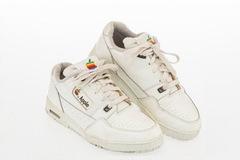 Giày thể thao Apple đắt hơn cả iPhone