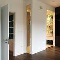 <p> Không gian các phòng ngủ được làm đơn giản, liên kết với nhau.</p>