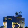 <p> Kiến trúc ngôi nhà không chỉ để đáp ứng với các mối quan tâm về chức năng và thẩm mỹ mà còn là phương tiện để kết nối con người với thiên nhiên.</p>